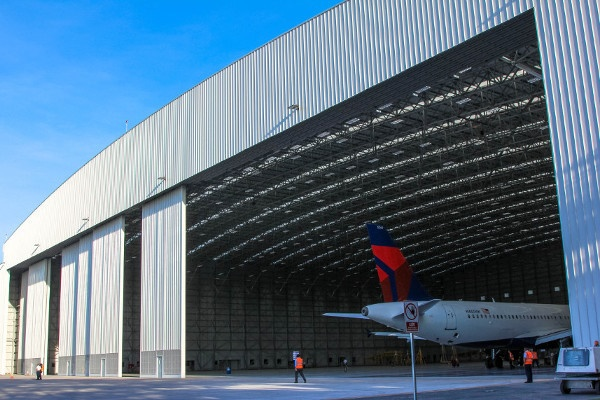 Supervision of AEROMAN's Hangar 5 construction